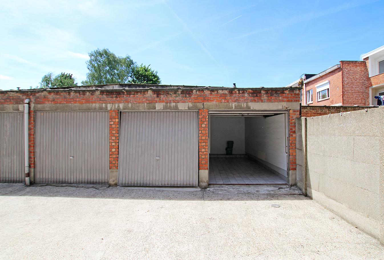 Garagebox op centrale ligging te Deurne! afbeelding 1