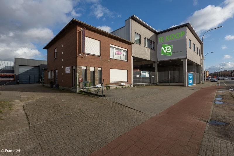 Commerciële gebouwen en bouwgrond op een uiterst interessante locatie te Wommelgem afbeelding 3