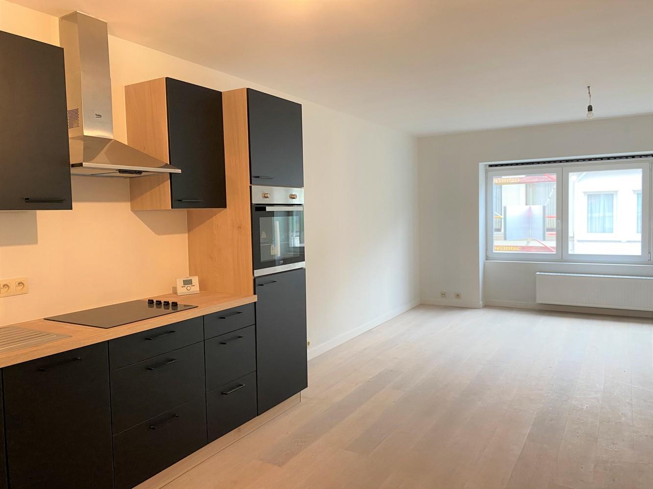 Volledig gerenoveerd appartement met 2 slk op centrale locatie in Borgerhout afbeelding 12