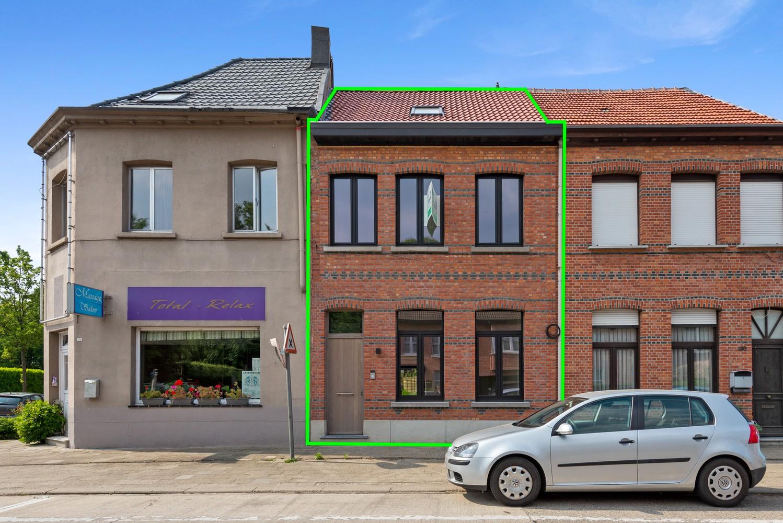 Volledig gerenoveerde woning met 3 slaapkamers op een gunstige locatie in Brasschaat! afbeelding 3