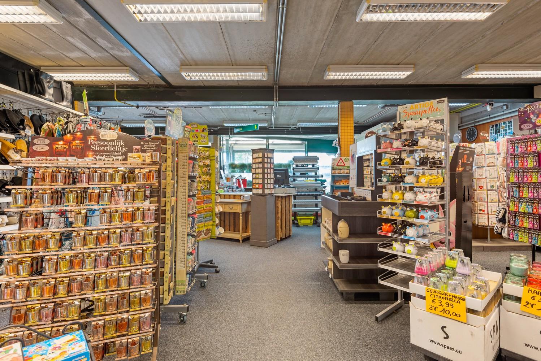 Groot winkelpand te koop met magazijn en buitenruimte te Kapellen! afbeelding 6