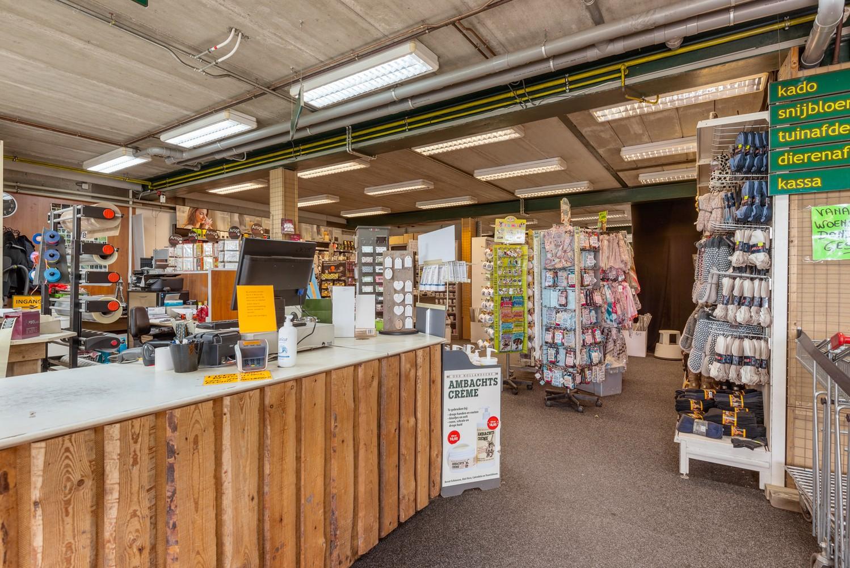 Groot winkelpand te koop met magazijn en buitenruimte te Kapellen! afbeelding 8