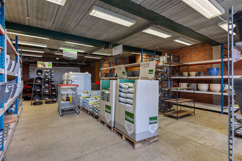 Groot winkelpand te koop met magazijn en buitenruimte te Kapellen! afbeelding 17