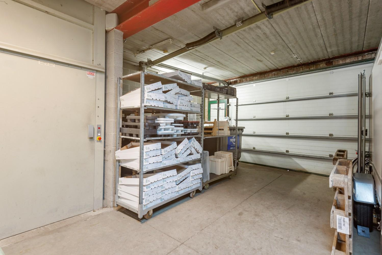 Groot winkelpand te koop met magazijn en buitenruimte te Kapellen! afbeelding 18